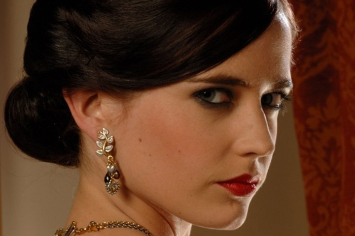 Bond Girl Names - Vesper