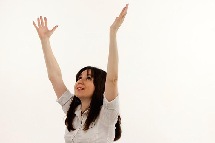 Pregnancy Yoga - The Hand Raising Pose Or Hasta Utthanasan