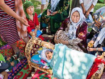 13 Interesting Birthing Traditions Worldwide