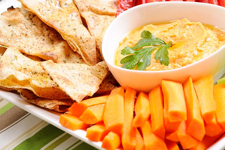 Pita Chips With Creamy Dip Finger Food
