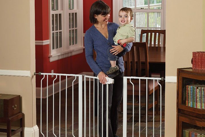 Regalo Extra WideSpan Walk Through Safety Gate