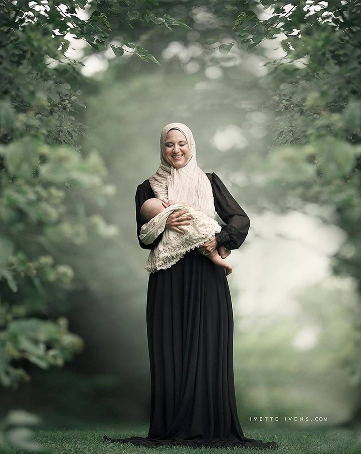 Every mother is gorgeous. And this photograph just proves that.
