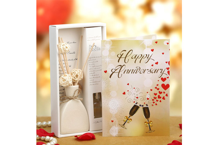 Anniversary Gift Set Of Greeting Card And Blackrose Oil Diffuser
