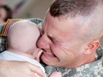 20 Breathtaking Photos Of Fathers Meeting Their Newborn Babies