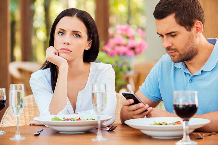 Signs of A Passive-aggressive Husband