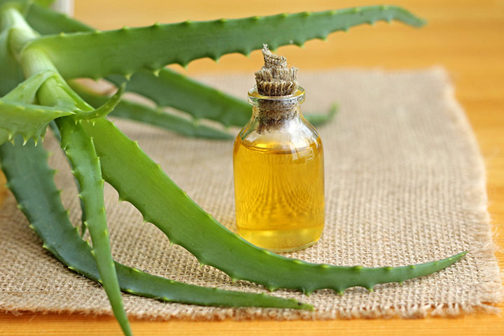 Using Aloe Vera & Almond Oil