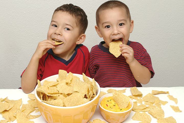 Cancer-Causing Snacks You Should Avoid Giving Your Child