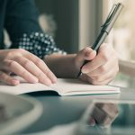 5 Advantages Of Being Left-Handed The Odds Are In Your Favor