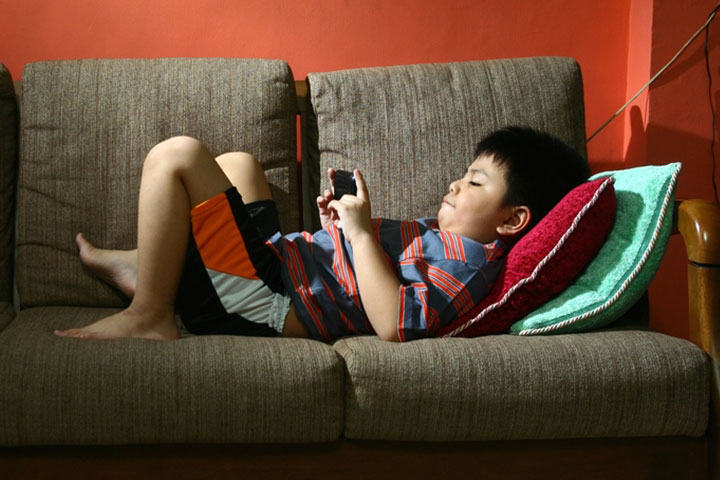 Is Excess Artificial Light Exposure Making Your Kid Overweight2