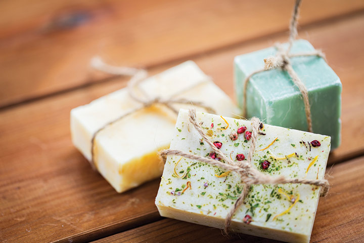 Homemade soaps That you can give on baby shower for that winners