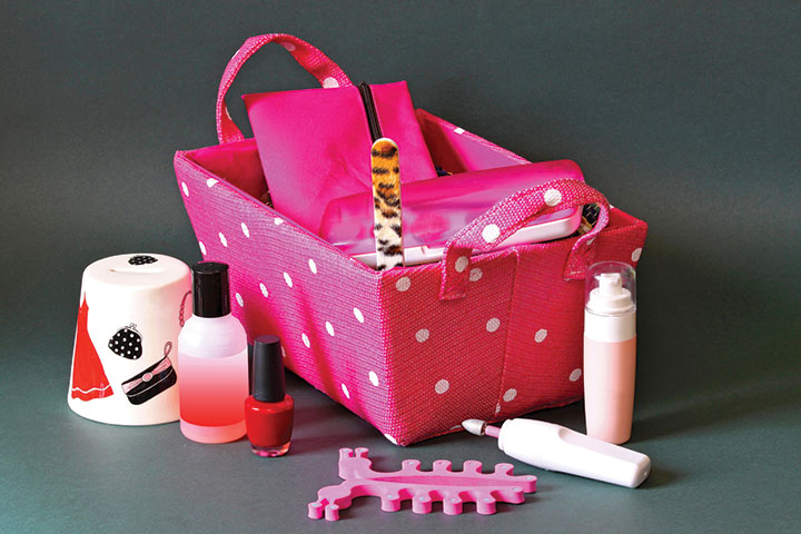 Manicure basket Prizes for Guest