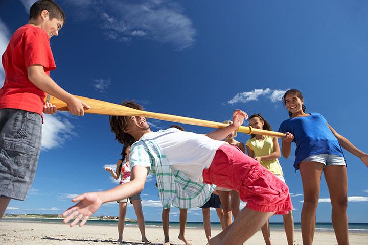 Limbo beach dance