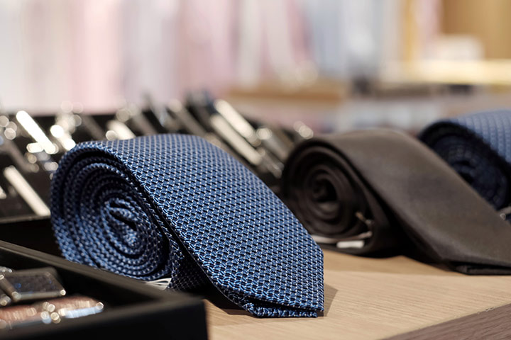 A Stylish Necktie that you can gift your husband