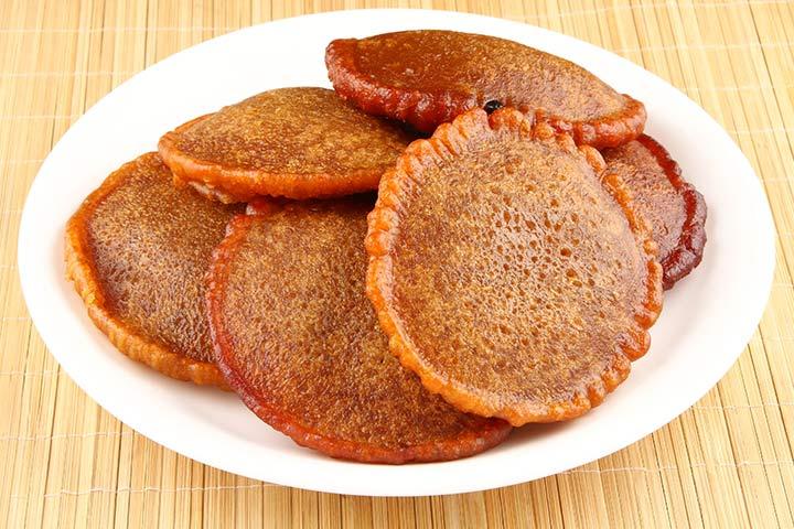 Eggless jaggery pancakes