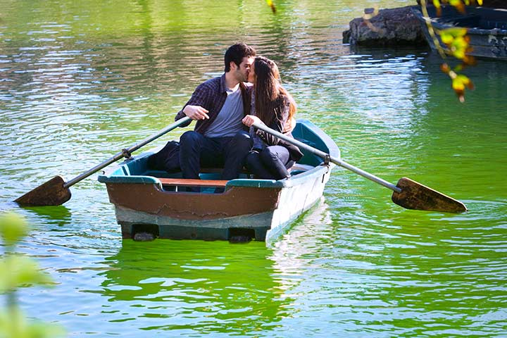 Take a boat ride anniversary ideas to do together