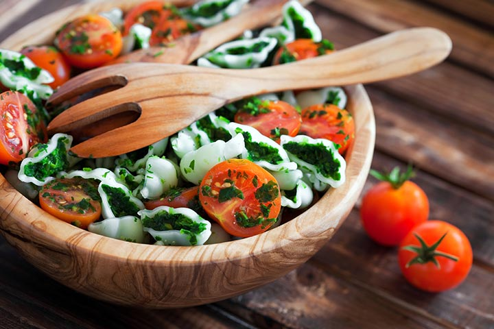 Salad bowls and servers