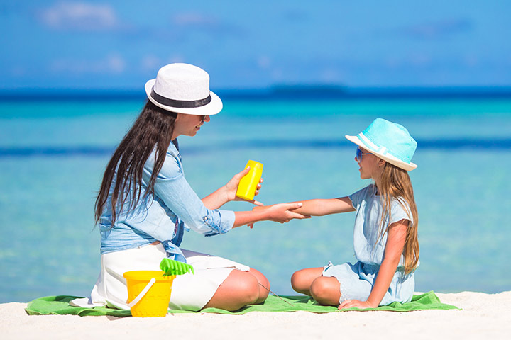 15 Best Sunscreens For Kids In 2019