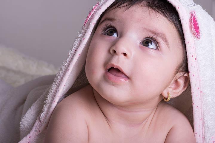 बच्चों के कान छिदवाने की सही उम्र क्या है Kaan Chidwane Ka Sahi Samay