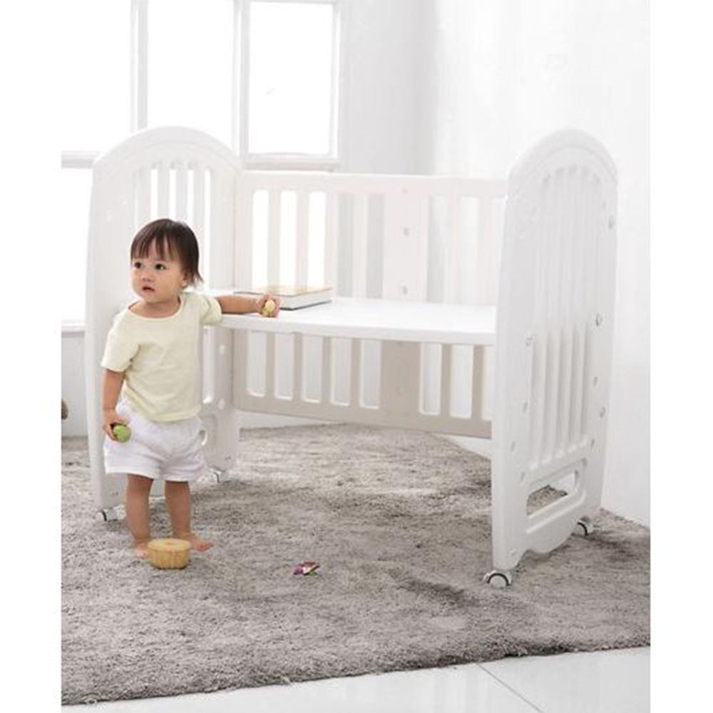 Babyhug Compacto 3 in 1 Cot Rocker Cum Study Table