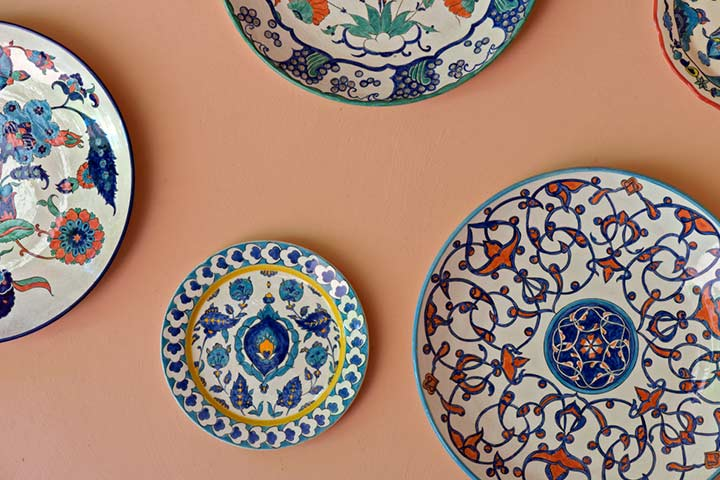 Hand-painted wall plates or figurines