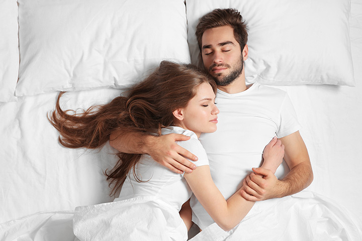 Couple Sleeping Positions And What They Are Said To Mean-6552
