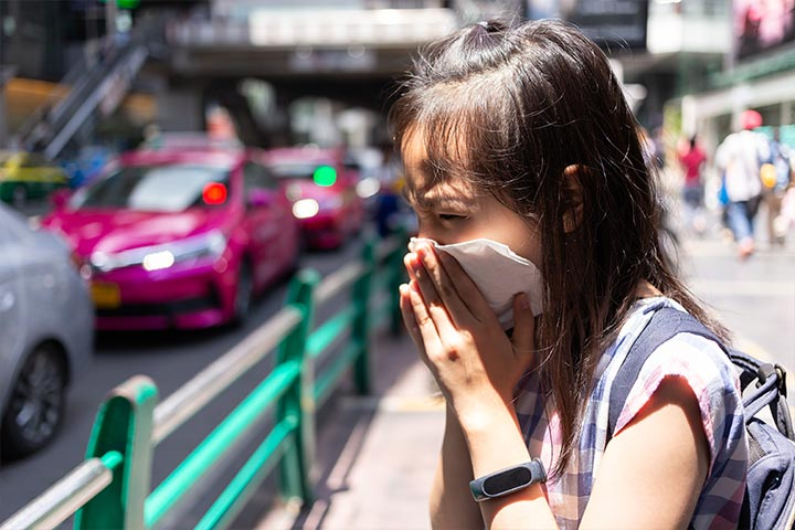 Here's How You Can Protect Your Child From Pollution