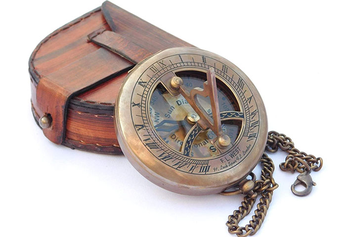 NeovividBrass Sundial Compass with Leather Case and Chain