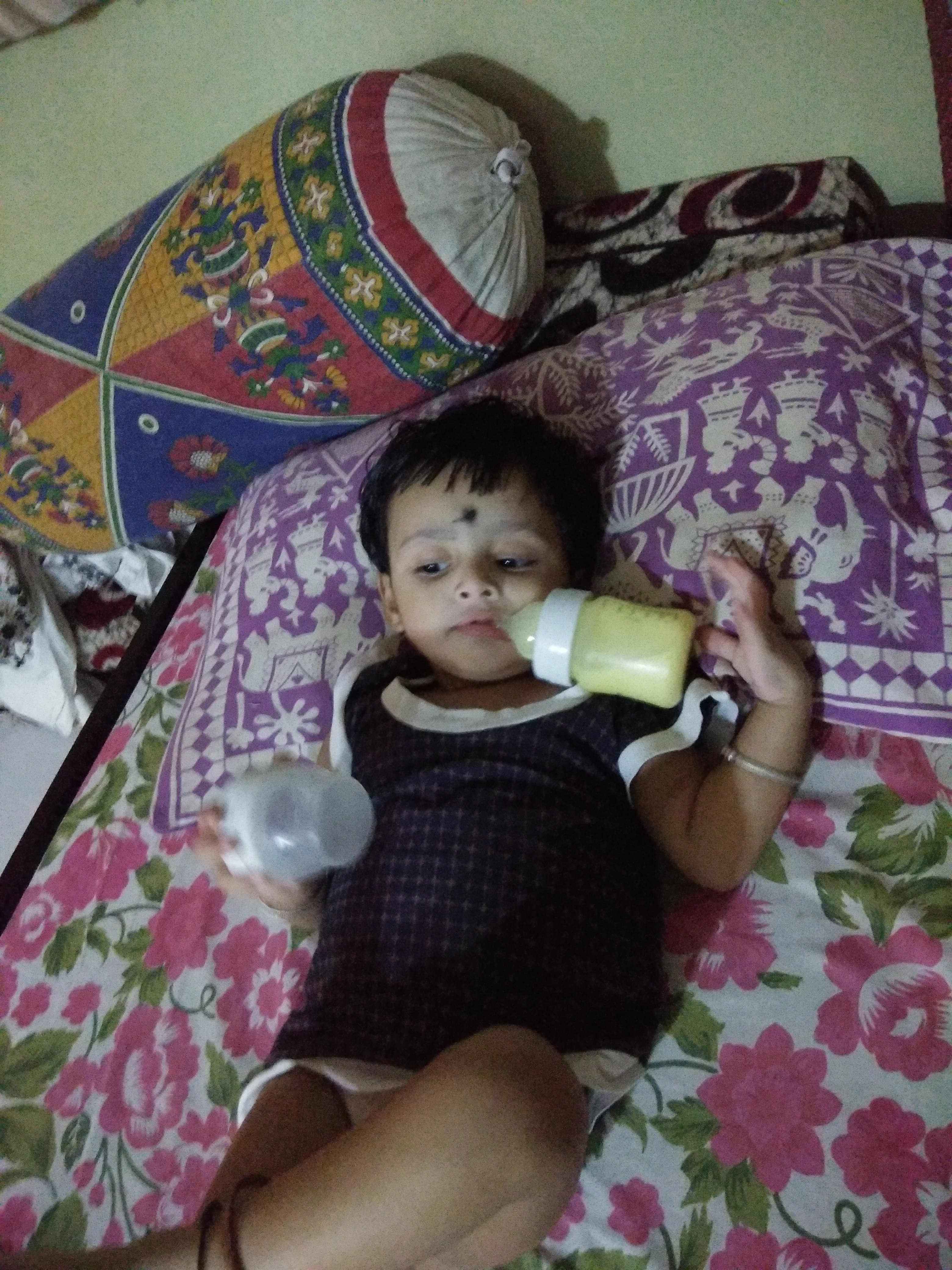 Philips Avent Anti-Colic Bottle With Airfree Vent-Best Feeding Bottle Must buy-By mrunal28