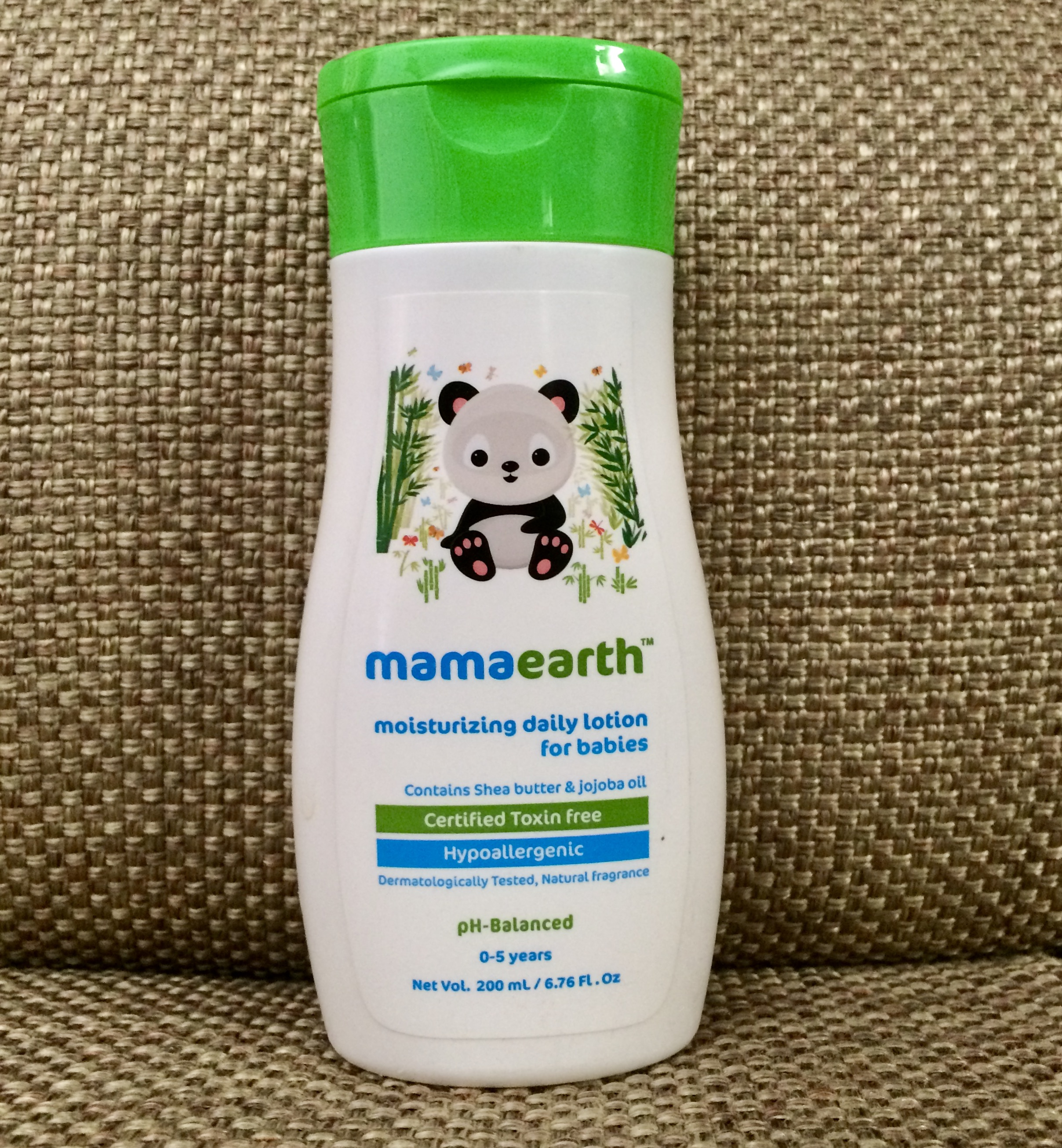 Mamaearth Daily Moisturizing Lotion and Mineral Based Sunscreen-Helps moisturize dry skin-By deepashree14