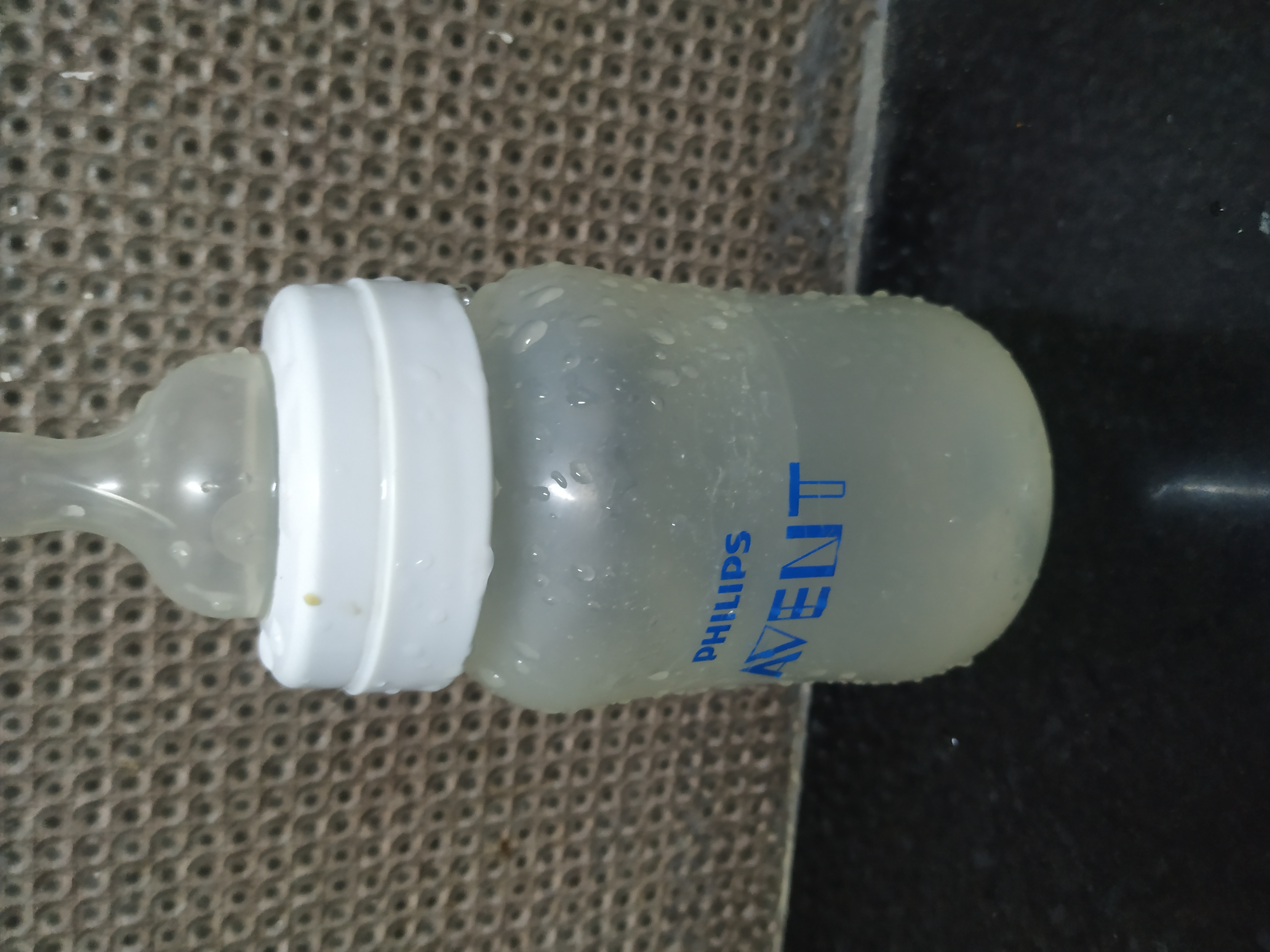 Philips Avent Anti-Colic Bottle With Airfree Vent-Avent Milk Bottle Review-By absoluteconta
