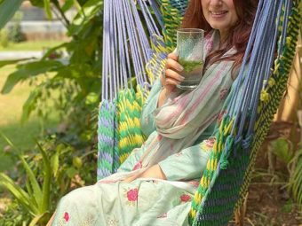 Twinkle Khanna Shares A 'Love In The Time Of Corona' Picture With Her 'Bookworm Baby', Nitara