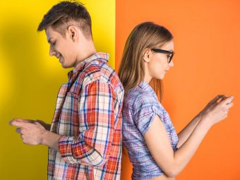 30 Engaging And Fun Texting Games for Couples
