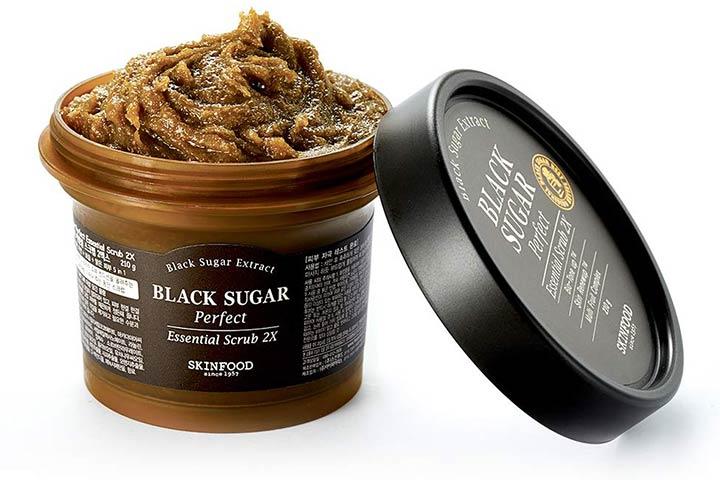 SKINFOOD Black Sugar Perfect Essential Scrub