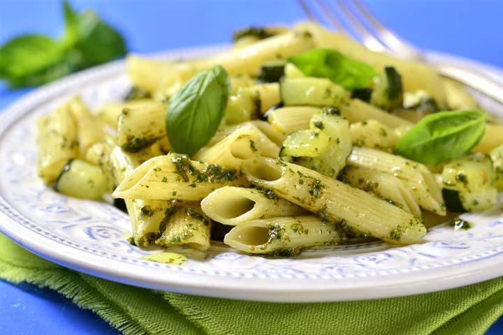 Cheesy zucchini pasta