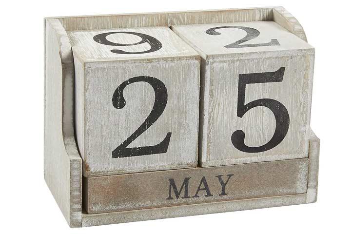 Zicoto 2020-2021 Floral Desk Calendar
