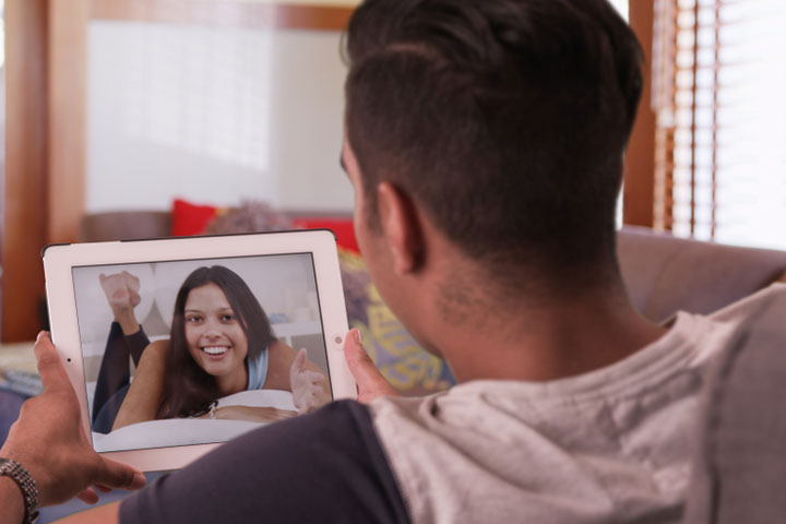 20 Practical Tips To Spice Up A Long Distance Relationship-1