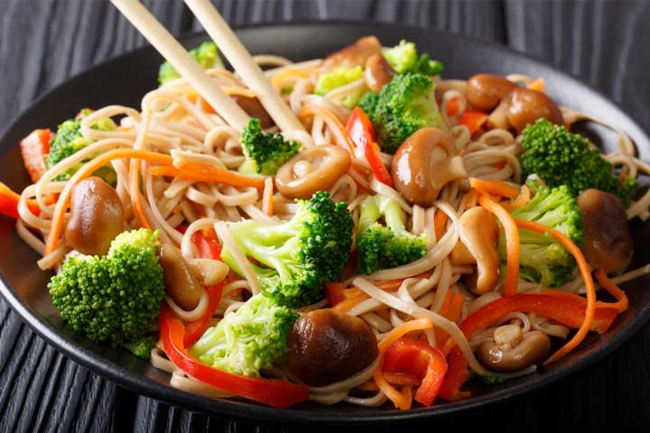 Broccoli buckwheat noodles