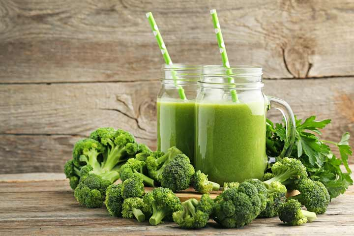 Green broccoli smoothie