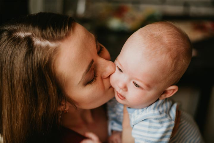 Kissing A Newborn Baby Possible Risks And Precautions To Take-1