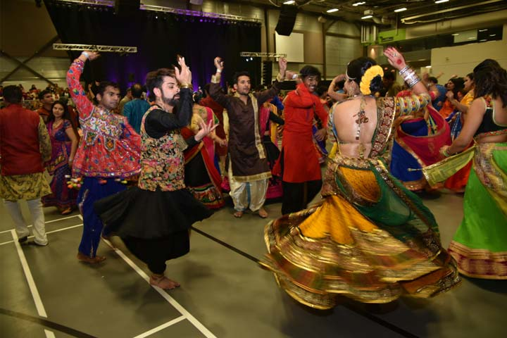 Garba And Dandiya Dance