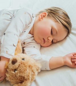 10 Tips To Make Toddler Bedtime Routine Easier