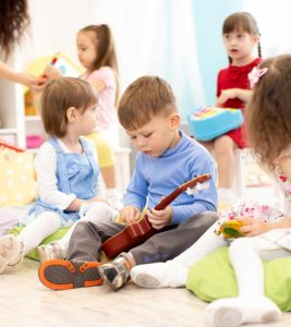 Associative Play What Is It, Age, Examples And Benefits