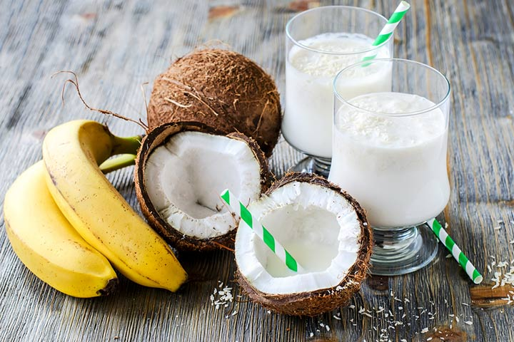 Banana and coconut milk smoothie