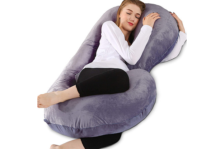 Chilling Home Pregnancy Pillows