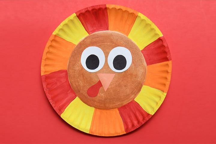 Fall art using paper plates