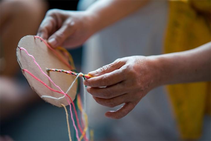 Friendship bracelet weaving