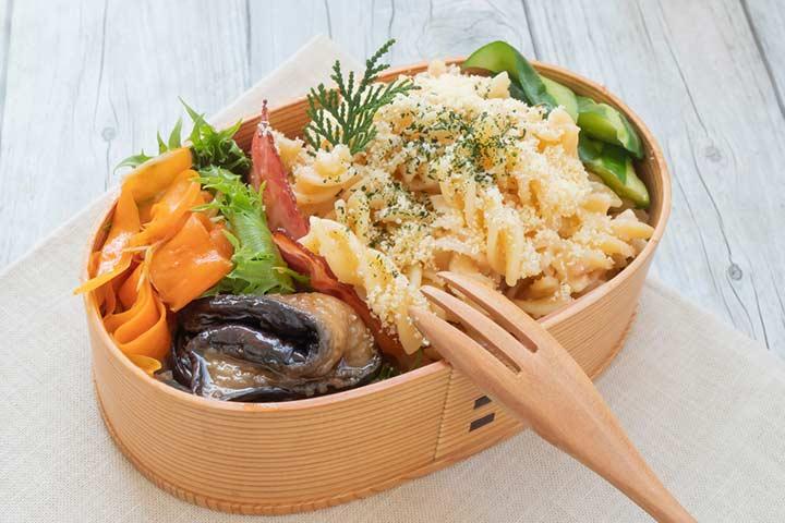 Pasta salad box