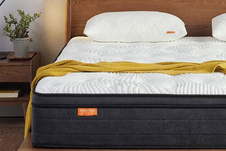 Sweetnight Plush Pillow Top Hybrid Mattress