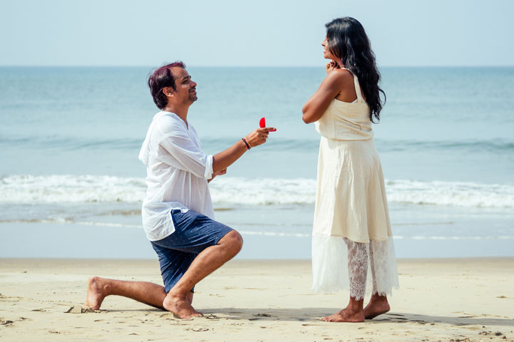 100 Best Propose Shayari, Quotes And Wishes In Hindi