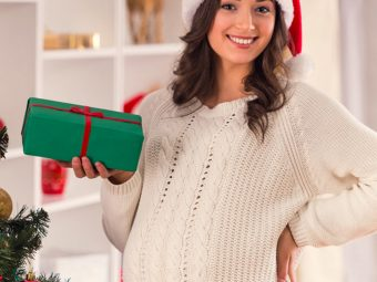 7 Things That Happen When You're Pregnant During Christmas